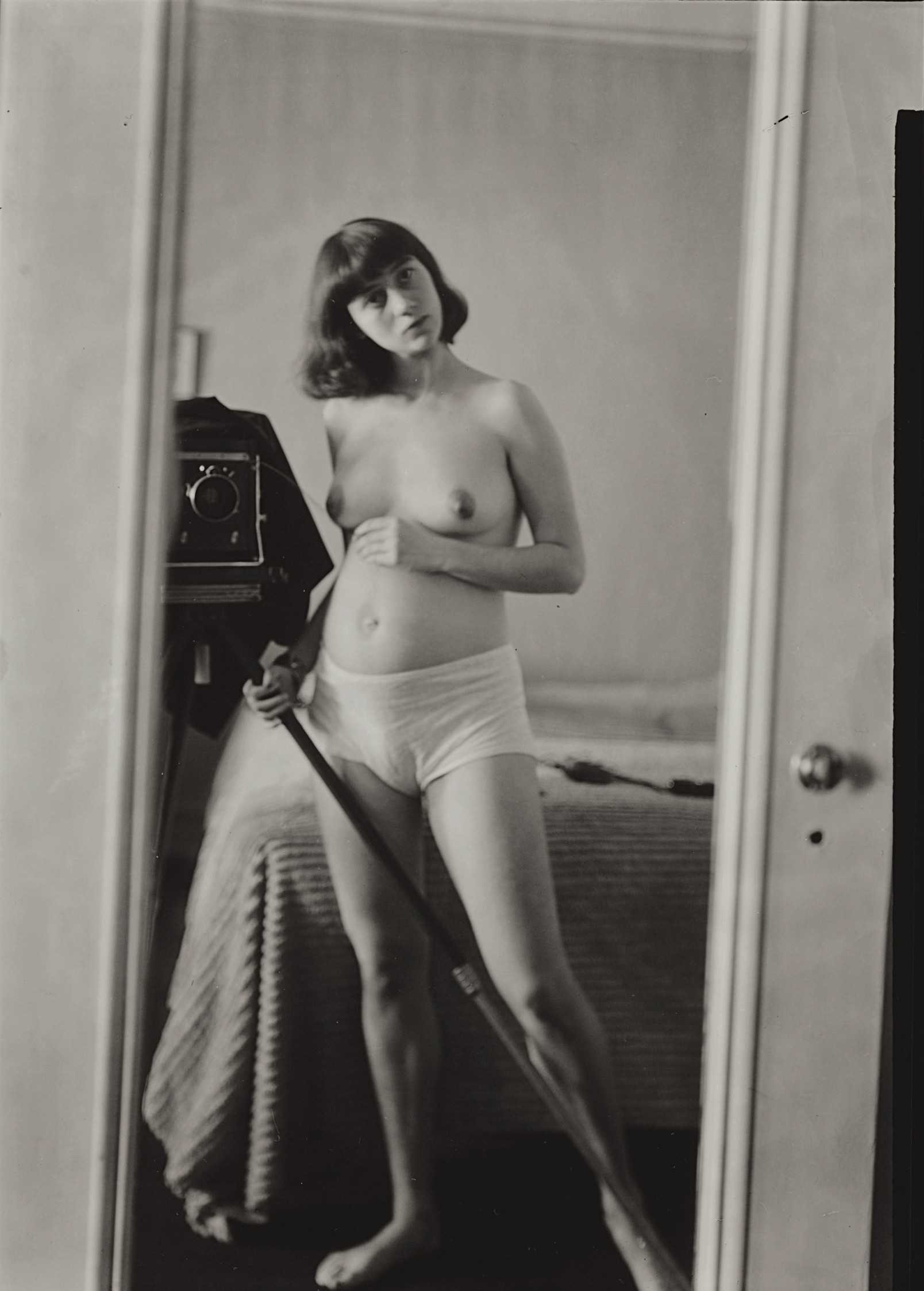 diane arbus self portrait