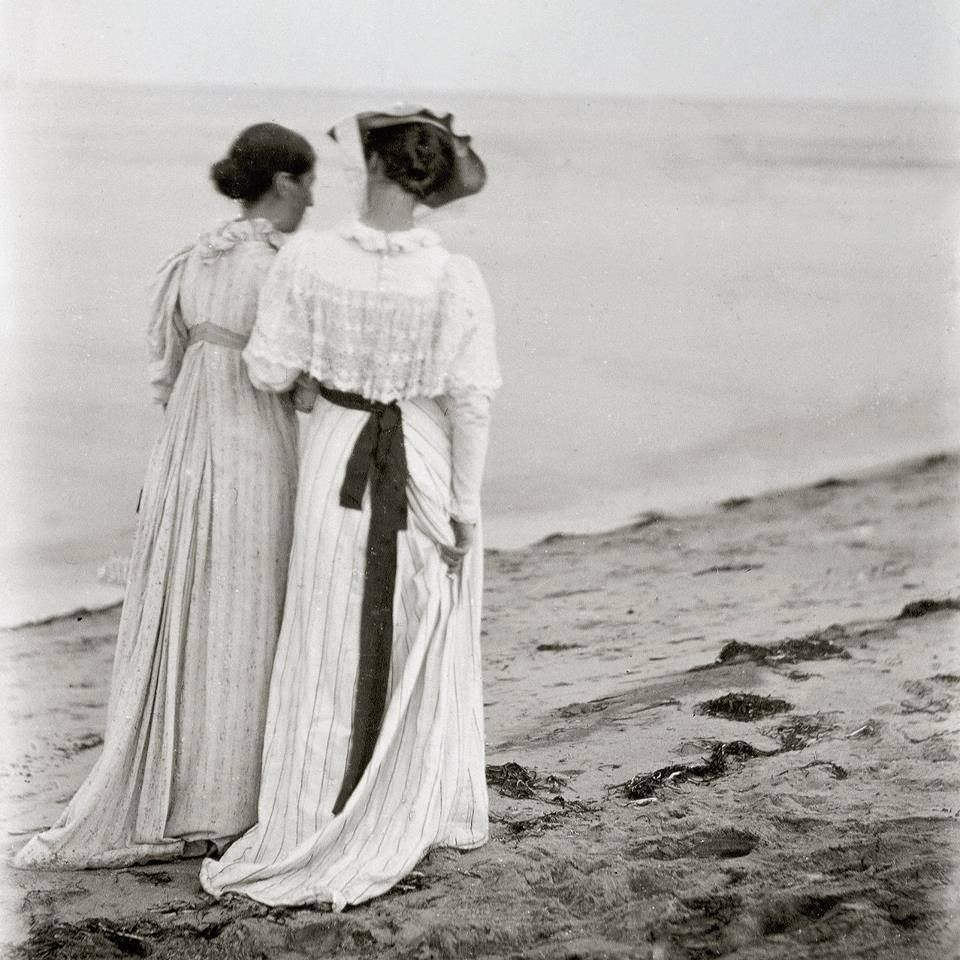Photograph of Anna Ancher and Marie Kroyer at the Skagen Beach