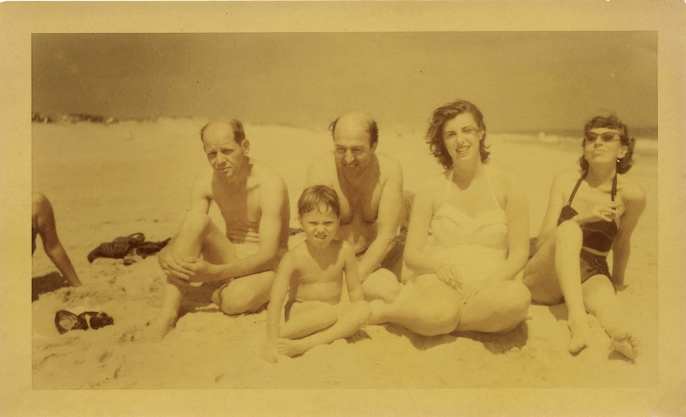 Jackson Pollock, Clement Greenberg, Helen Frankenthaler, Lee Krasner - at the beach